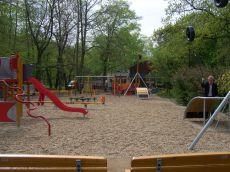 Dětské skluzavky ve Stromovce